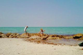 Caspersen Beach, family fun. Photo credit: Liz Sandburg.
