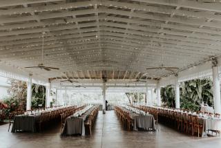 wedding tables at mixon fruit farms