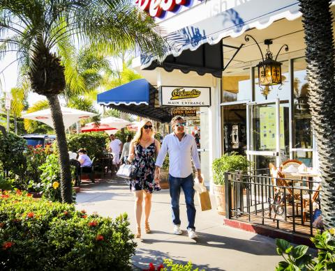 Couple shopping in St. Armands