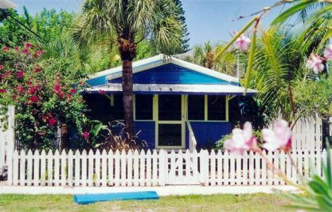 Blue Dolphin Cottage - 2BR/1Ba Floridian Key West style cottage.