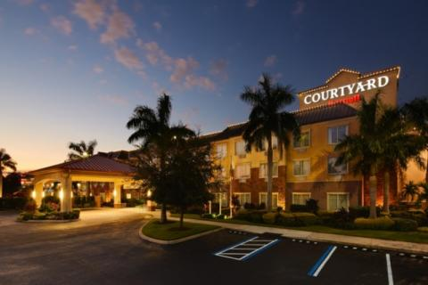 128_720x480.jpg - Award winning Courtyard by Marriott Sarasota University Park Lakewood Ranch. Easy access from I-75 and tucked in among many restaurants and shops.