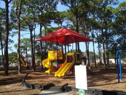2719_640x480.jpg - Englewood Recreation Center Park. Photo courtesy of Scgov.net