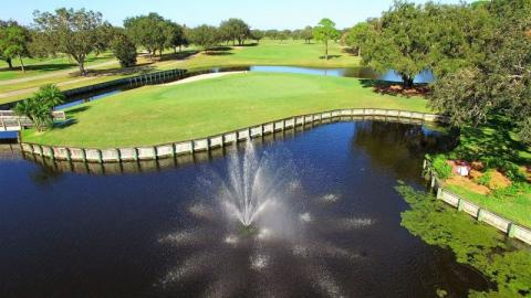 Champions Course - Signature Hole