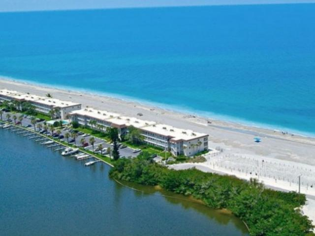 828_640x483.jpg - Fisherman's Cove: 1, 2 & 3 bedroom units on the southern end of Siesta Key at Turtle Beach