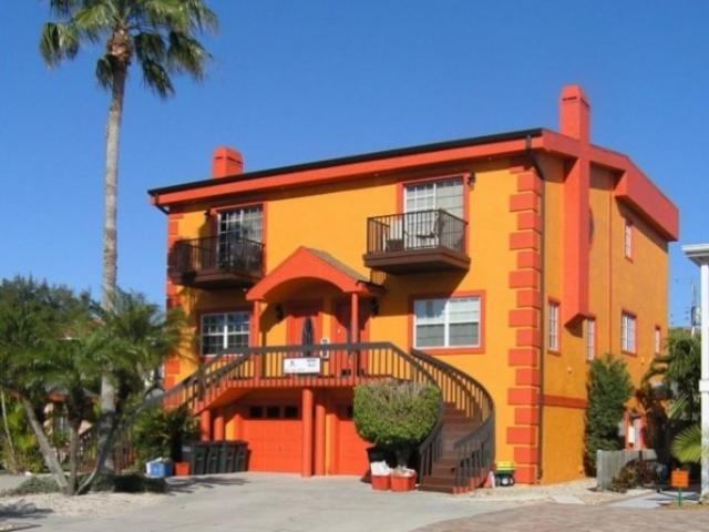 825_640x561.jpg - Seaside Villas - Luxury 3BR townhomes with 1BR garden apartments poolside (up to 8 bedrooms)
