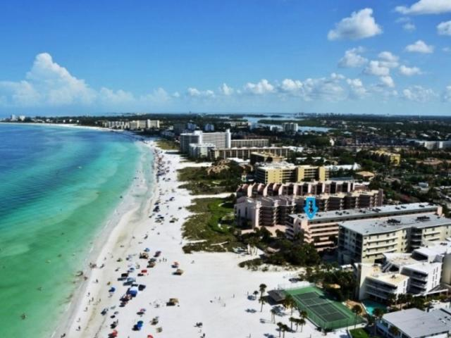826_721x480.jpg - Sea Shell; 2-bedroom directly on world famous Crescent Beach