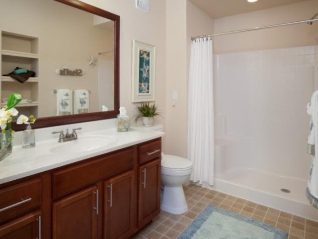 7616_720x480.jpg - Walk-In Showers