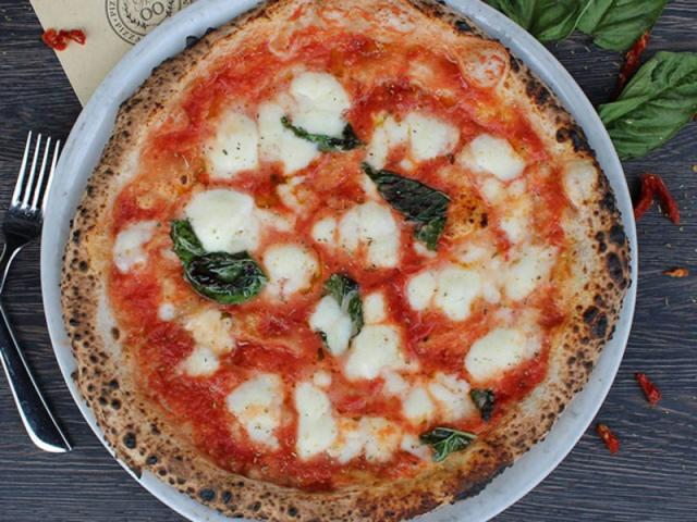 BAVARO'S PIZZA NAPOLETANA & PASTARIA - food image 1