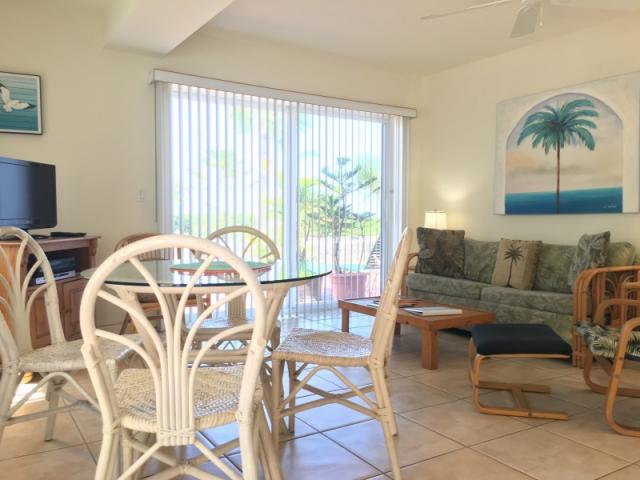 Beach View Suite - Living and dining room.