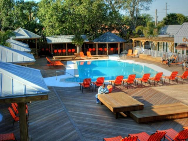 Pool & Tiki Bar