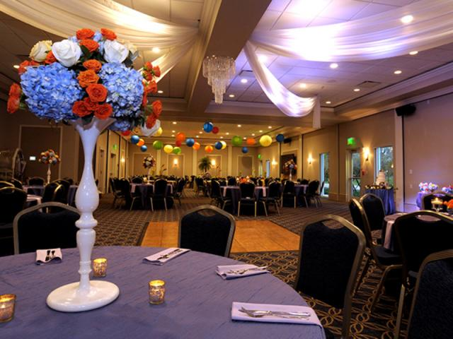 Tall Ceilings, Bright Lights - Celebrate your next event with us! Let us help coordinate your corporate meeting, wedding reception, convention, reunion or retreat.