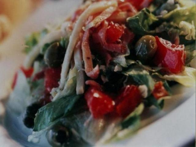 "118_640x480.jpg - World Famous ""1905"" Salad"