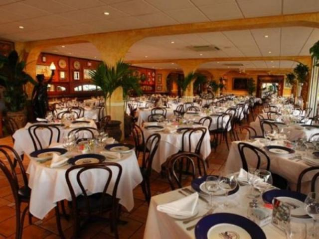 117_640x480.jpg - Columbia on St. Armands Circle is open 365-days a year, serving lunch & dinner daily. Indoor & outdoor dining.
