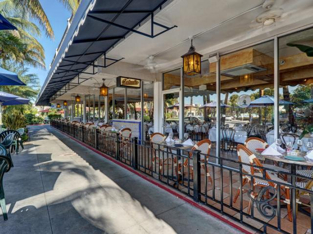 Columbia on St. Armands Circle. - Columbia on St. Armands Circle. Outdoor seating available. Serving lunch and dinner daily.