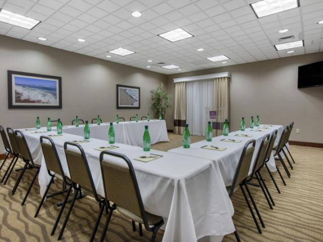 Meeting Space - Meeting Space - U Shape Setup