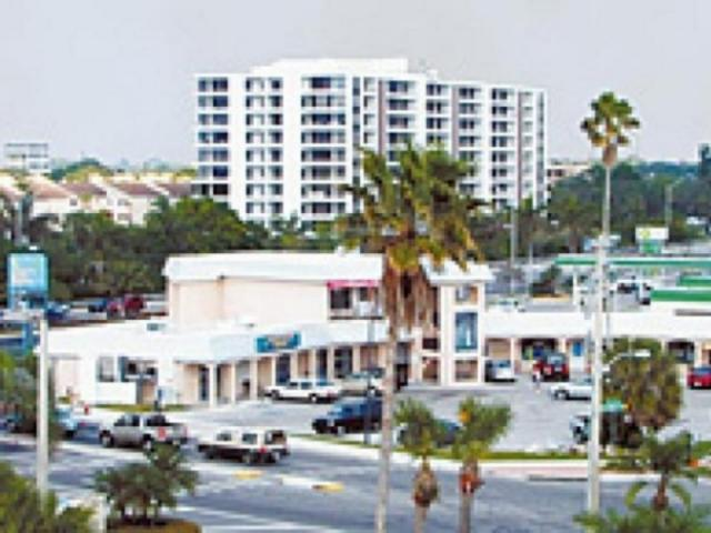 148_640x480.jpg - Crescent Beach Grocery Today