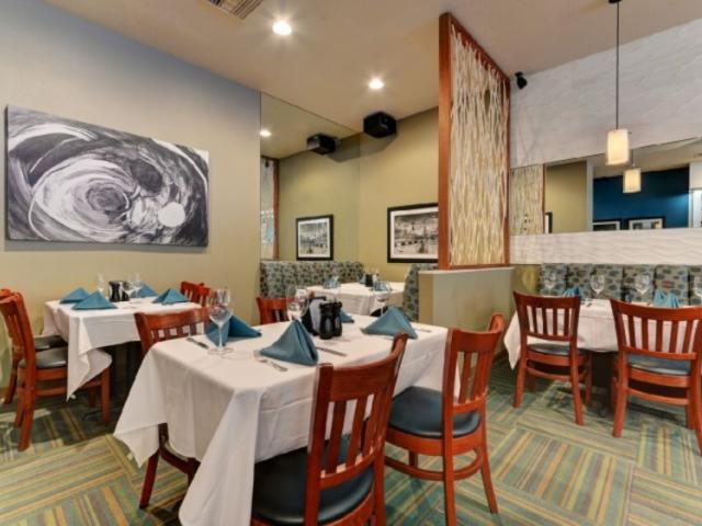 6956_683x480.jpg - Dining Room