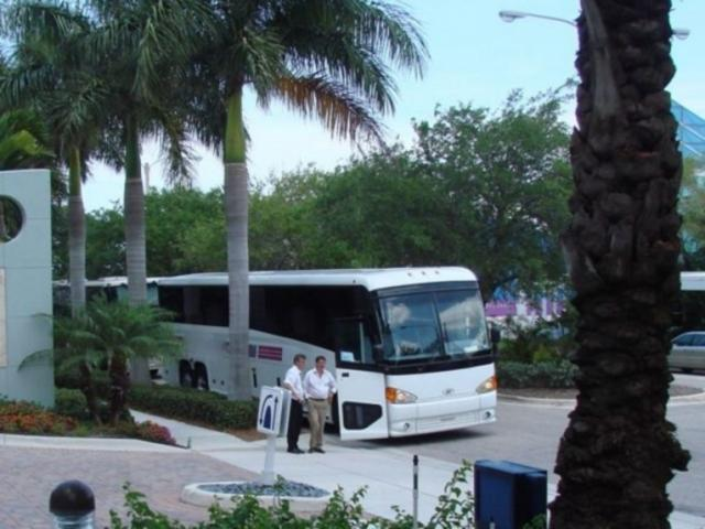 692_640x502.jpg - Motor Coaches