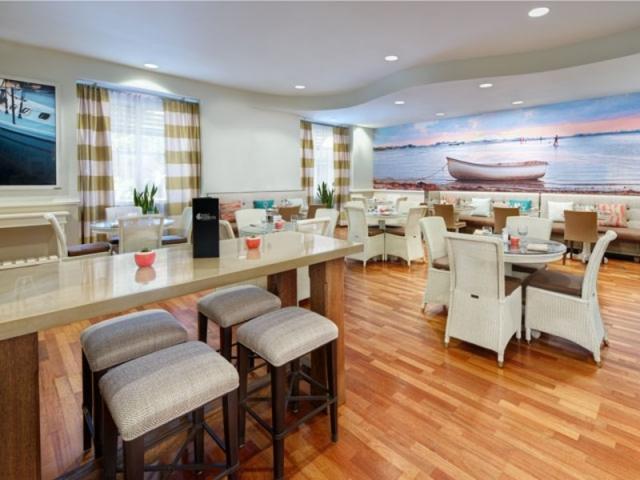 4847_640x480.jpg - Restaurant