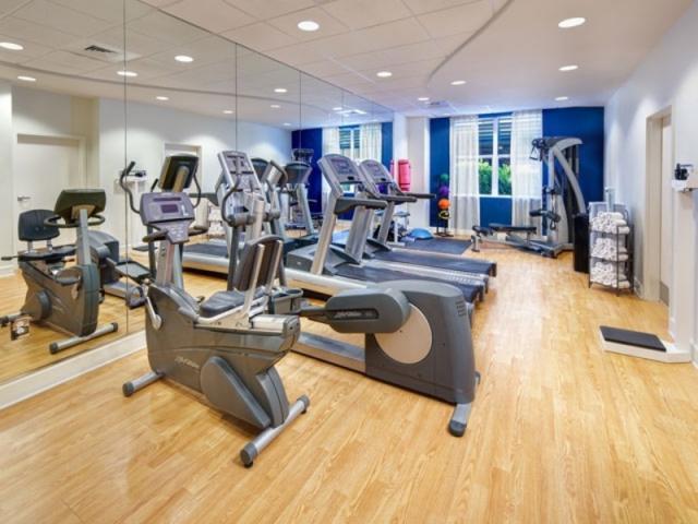 4843_640x480.jpg - Fitness Center