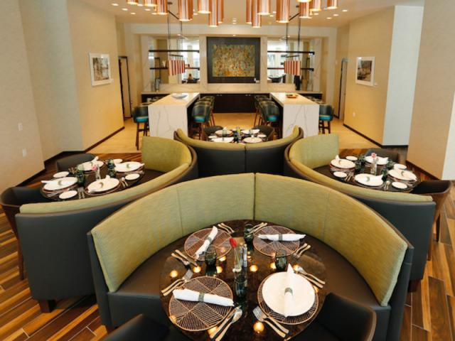 OVERTURE RESTAURANT & GALLERY LOUNGE IN ART OVATION - Listing 3