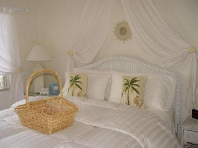 382_640x480.jpg - Dolphin Bungalow's Bedroom