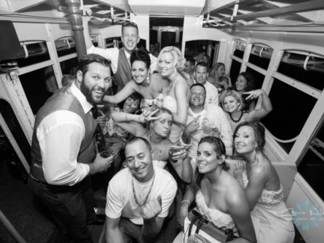 2964_720x480.jpg - Weddings