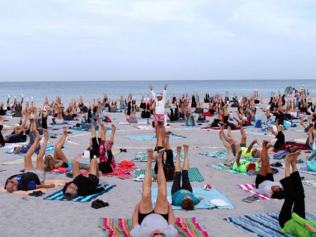 Venice beach yoga