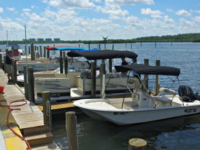 7542_717x480.jpg - Pontoon & Boat Rentals