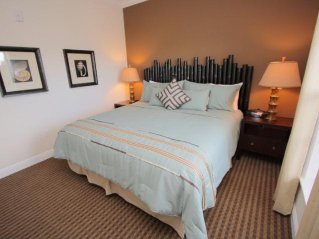 723_721x480.jpg - Bedroom