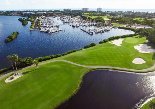 Harbourside Golf course - Harbourside Golf overlooking Longboat Key Club Moorings