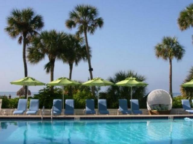 279_640x480.jpg - Poolside overlooking the Gulf of Mexico