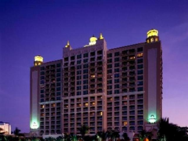 453_640x480.jpg - The Ritz-Carlton, Sarasota is a luxury landmark on Florida's Gulf coast and the only AAA Five Diamond hotel in the area