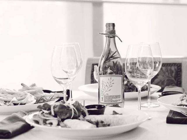 Rosemary Table Set