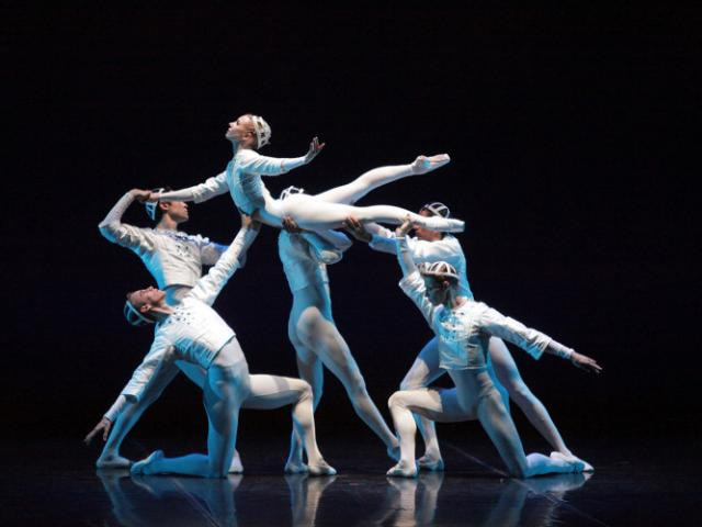 The Sarasota Ballet in Sir Frederick Ashton's Sinfonietta - Photo Frank Atura - The Sarasota Ballet in Sir Frederick Ashton's Sinfonietta, featured dancer Victoria Hulland - Photo Frank Atura