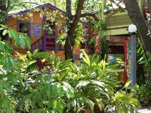 Quiet, historic and relaxing oasis in downtown Sarasota - Ginger Garden
