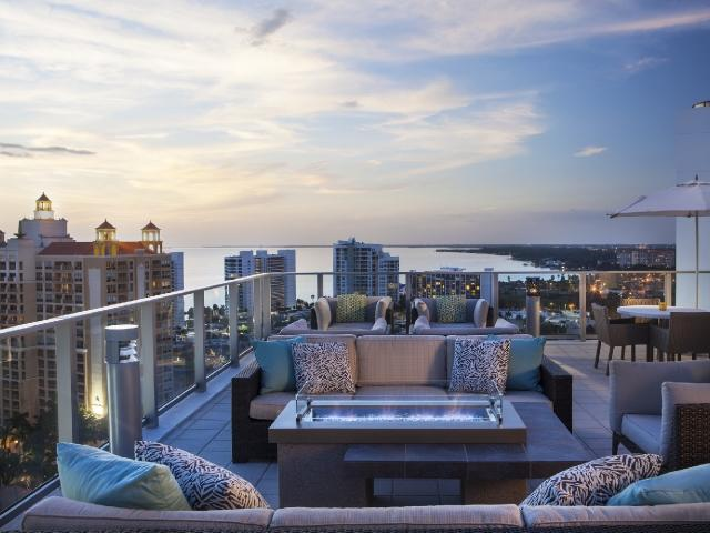 Weekends on The Roof: Featuring Undine Shorey