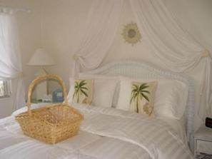 382_640x480.jpg - Dolphin Bungalow's Bedroom