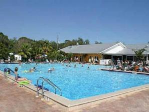 425_640x480.jpg - Enjoy our heated Olympic sized swimming pool, spa and NEW kiddie pool